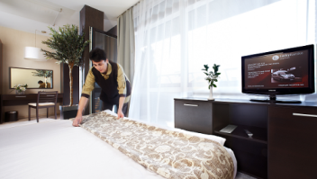 Cleaning the rooms | Aparthotel Lucky Bansko SPA & Relax