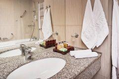 Studio Lux Bathroom